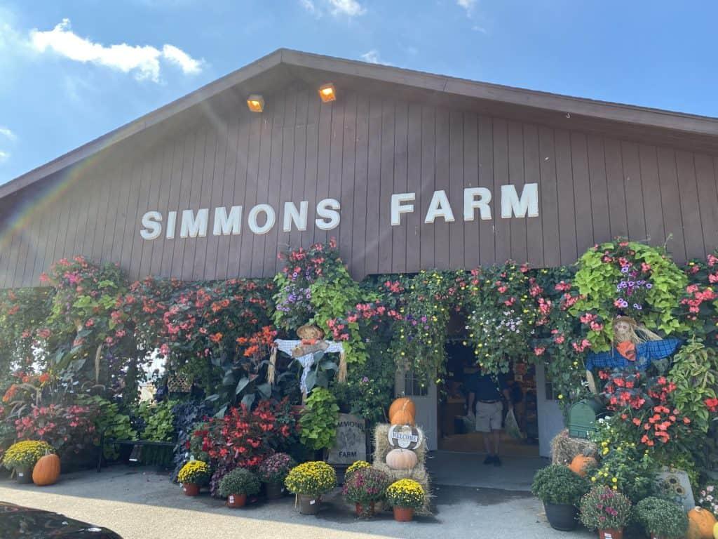 Fall Festivals Near Me: Simmons Farm has lots of family-friendly fall activities.